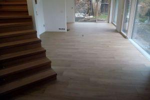 Schody-masivní dřevěné, vinylové,pvc